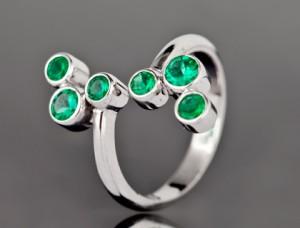 prsten izradjen od belog zlata
