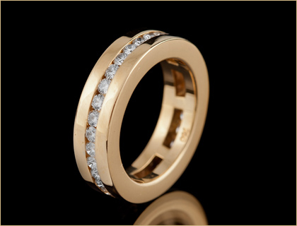 Ženska burma (eternity ring)
