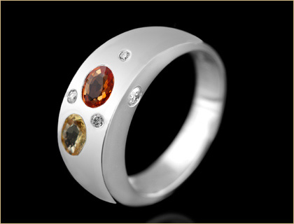 Prsten sa brilijantima i multikolor safirom