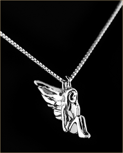 ogrlica-i-privezak-belo-zlato