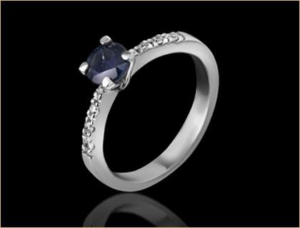 verenicki-prsten-sa-dragim-kamenom-u-boji
