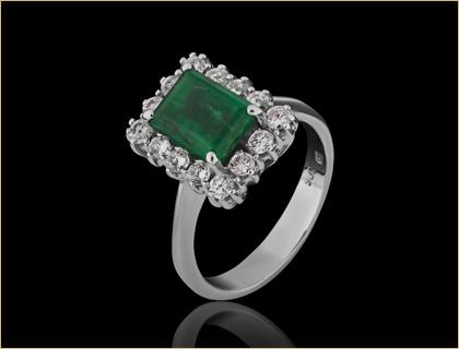 Prsten belo zlato, Smaragdi